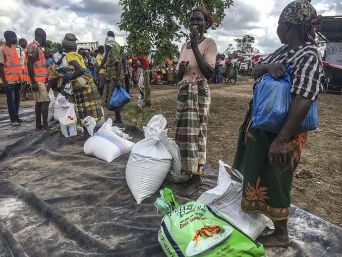 Oferta de sementes e comida tenta prevenir fome em Moçambique