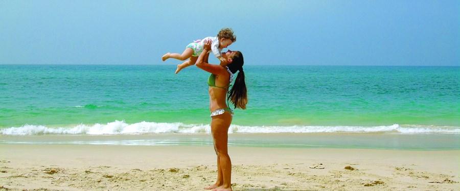 Desde os 17 anos que a atriz Catarina Siqueira tentava perder peso, mas só depois do nascimento da filha Luz, quando tinha 32 anos, conseguiu perder 30 quilos