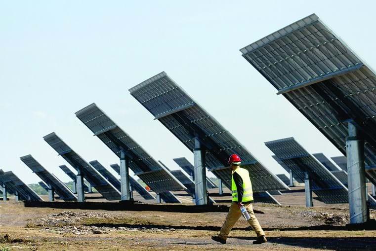 Central vai ter 34 200 módulos fotovoltaicos e terá uma potência de pico instalada de 11,286 MWp