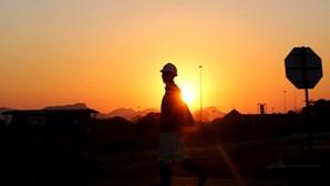 Deslizamento de terras em mina de ouro na Guiné-Conacri causa 15 mortos