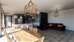 Casa de luxo de Manuel Martins considerado barracão para as Finanças