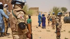 """Ministério dos Negócios Estrangeiros assegura que portugueses no Mali estão """"bem"""""""
