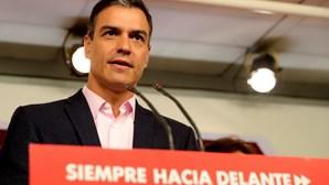 Podemos anuncia abstenção e inviabiliza investidura de Sánchez