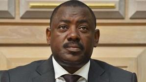 """Presidente e dois juízes do Constitucional consideram """"ilegal"""" prisão de ex-ministro angolano"""