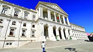 Candidatos às eleições legislativas contam com sete milhões de euros para caça ao voto