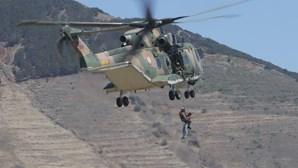 Militares juntam-se à polícia contra o terror