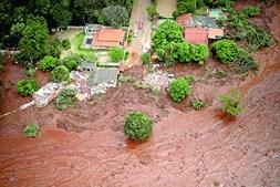 Imagens da maré de resíduos tóxicos após a derrocada em Brumadinho