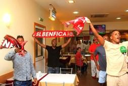 Adeptos comemoram título benfiquista em Luanda