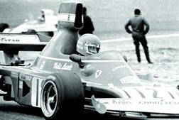 Na Ferrari conquistou dois títulos mundiais. No seu tempo, Niki Lauda era um ídolo e um dos desportis-tas mais famosos do mundo.