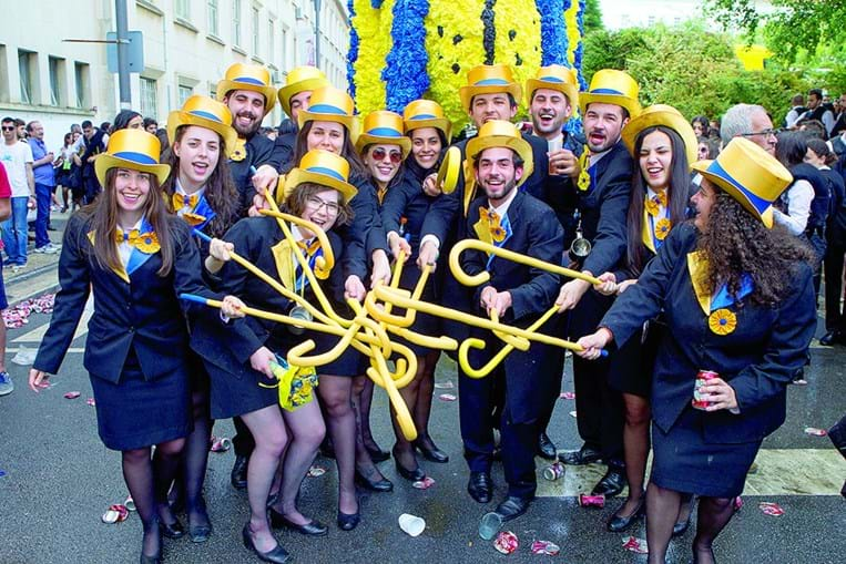 Desfile é o ponto alto da festa da academia, quer para os finalistas quer para os que chegaram este ano
