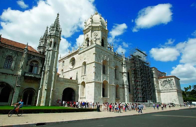 O Mosteiro dos Jerónimos é palco de um concerto do Grupo Oficina da Música Nova Antena