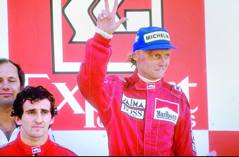 Prost  (esq.) ganhou em Portugal, mas Lauda foi campeão do Mundo
