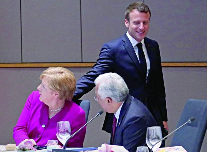 Emmanuel Macron e António Costa tentaram convencer a chanceler alemã Angela Merkel sobre a distribuição de cargos de topo europeus