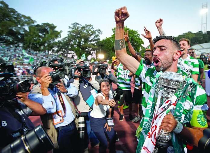 Bruno Fernandes depois de Sporting ganhar a Taça de Portugal