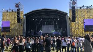 """""""Voltaremos a dançar em 2022"""": Festival Primavera Sound volta a ser adiado devido à pandemia"""