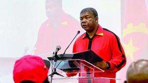 Presidente angolano quer apoios para calar contestação