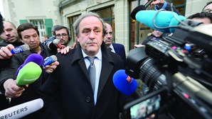 Suspeitas de corrupção sobre Blatter e Platini podem alargar-se a fraude