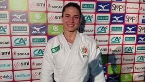 Judoca Bárbara Timo conquista ouro nos -63kg no Grand Slam de Paris