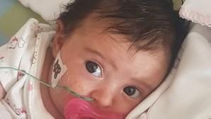 Matilde está nos cuidados intensivos. Bebé de dois meses continua a lutar pela vida