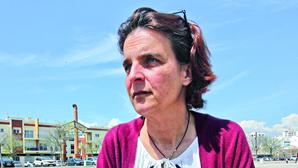 """""""Falta coragem para reconhecer as falhas"""", diz mulher de doente que morreu à espera de exame"""