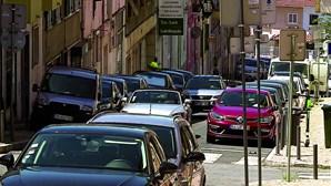 EMEL cobra lugares em cima dos passeios em Lisboa