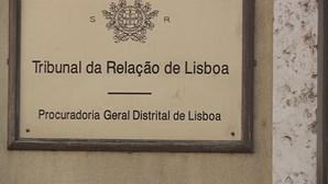 Relação mantém Manuel Pinho arguido e arrasa juiz