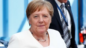 Londres preparada rutura de negociações com União Europeia após telefonema com Merkel