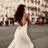 Para viver o sonho de ser modelo, 'Negzzia' passou fome e dormiu na rua.