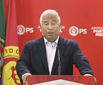António Costa tem tentado equilibrar as contas do PS, mas o endividamento ainda é elevado