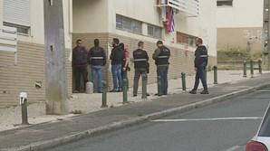 Detidos suspeitos que faziam passar-se por enfermeiros para roubar idosos em Lisboa e Margem Sul do Tejo