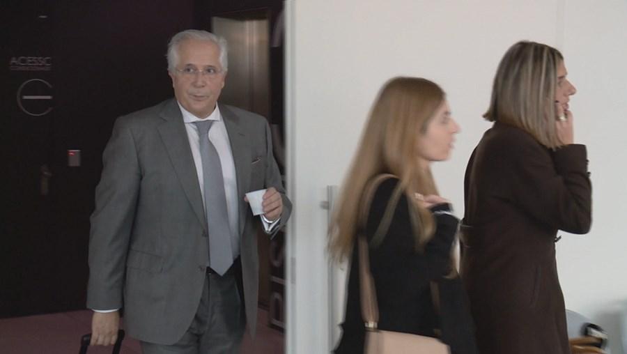 Orlando Figueira  foi condenado a seis anos e oito meses de prisão no processo da Operação Fizz.