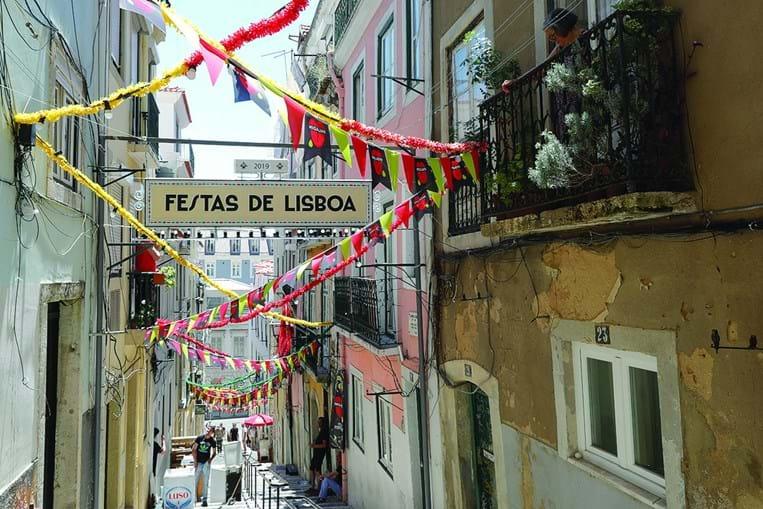A Bica é um dos bairros de Lisboa onde mais se vive a tradição dos Santos Populares durante o mês de junho
