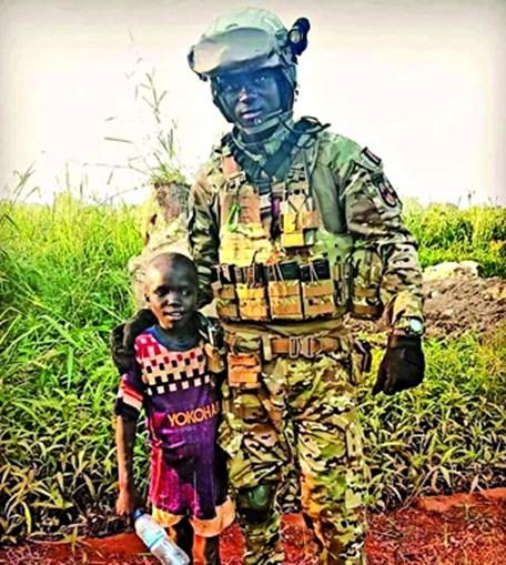 Aliu Camará durante uma missão