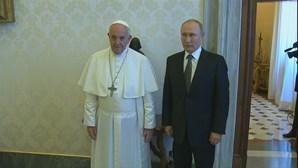 Papa Francisco recebe Vladimir Putin no Vaticano