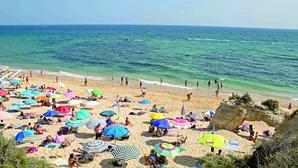 Um terço dos casos de Covid-19 no Algarve são estrangeiros residentes ou de férias