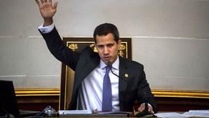 Venezuela acusa Portugal de minimizar acusações de irregularidades no voo da TAP que levou Guaidó