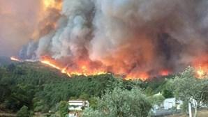 Proteção Civil conta ter fogo de Vila de Rei dominado durante madrugada