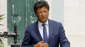 Secretário de Estado remete para a Proteção Civil responsabilidade sobre compra de golas antifumo