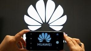 """Huawei nega ter """"instruções"""" do Estado chinês para espionagem"""