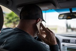 Falar ao telemóvel