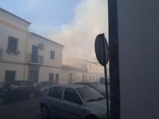 Incêndio numa habitação provoca dois feridos e cinco desalojados em Moura