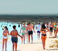 Nos próximos dias o cenário de praias cheias de turistas ainda não se deve verificar devido ao tempo fresco