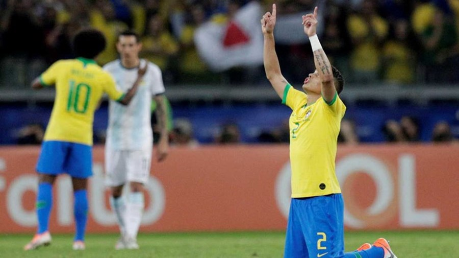Brasil bate Argentina e qualifica-se para a final da Copa América