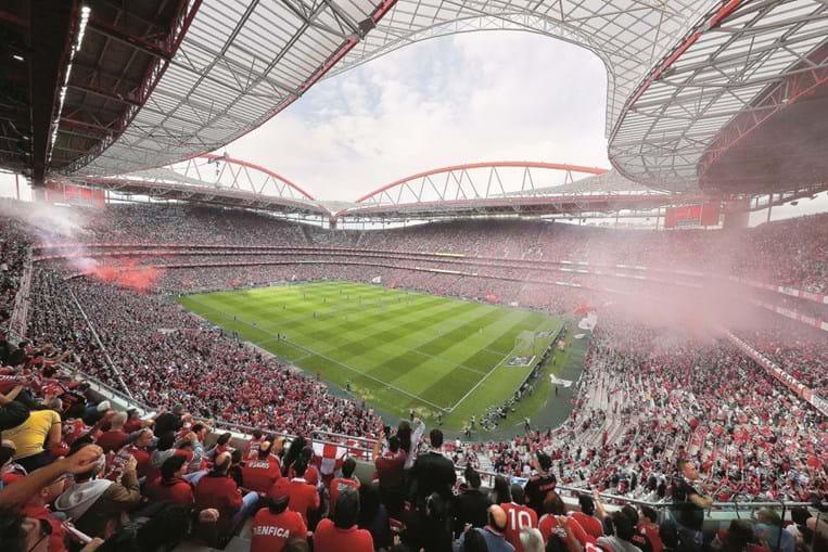 Estádio da Luz em dia de jogo do Benfica