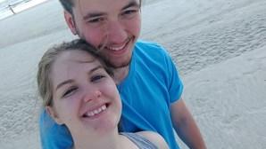 Jovem de 22 anos morre na lua-de-mel ao dar um mergulho