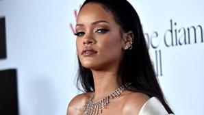 Cantora Rihanna é oficialmente multimilionária