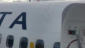 Aterragem violenta no aeroporto de Ponta Delgada causa danos em avião