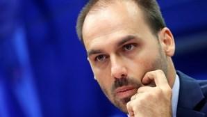 Filho de Bolsonaro torna-se líder da bancada do partido presidencial