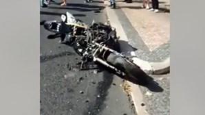 Colisão entre carro e motociclo no centro de Lisboa deixa motard em estado grave