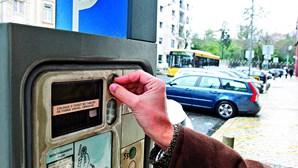 Sem-abrigo usam baralho de cartas para furtar parquímetros em Lisboa